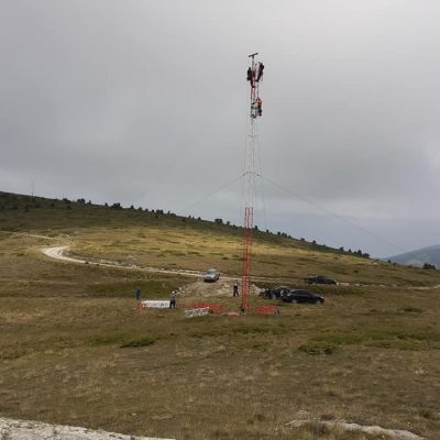 kozan.gr: Ξεκίνησαν οι εργασίες εγκατάστασης ανεμολογικού ιστού από την εταιρεία ΤΕΡΝΑ, η οποία πρόκειται να εγκαταστήσει ανεμογεννήτριες στην κορυφογραμμή των Πιερίων (Φωτογραφίες)
