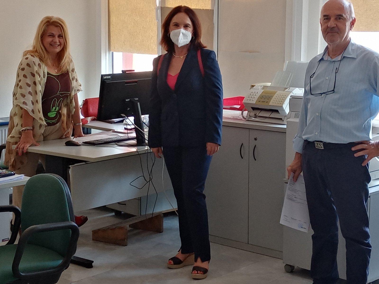 Καλλιόπη Βέττα: H Π.Ε. Κοζάνης πρέπει να τύχει ενισχυμένης στήριξης για προγράμματα επιμόρφωσης των ανέργων και εύρεσης εργασίας – Επίσκεψη στον ΟΑΕΔ Κοζάνης