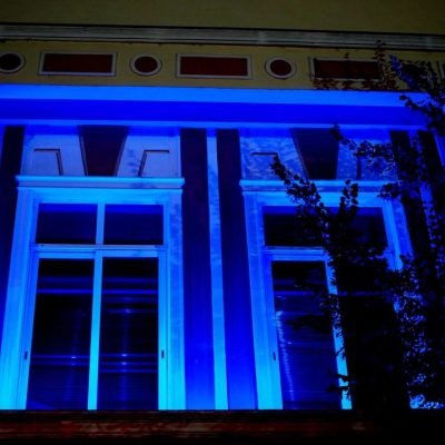 Στο μπλε της Ελλάδας το Δημαρχείο Γρεβενών για τον κορυφαίο Πρωταθλητή Μίλτο Τεντόγλου, καθώς σε λίγες ώρες ξεκινά τη μεγάλη του προσπάθεια στους Ολυμπιακούς Αγώνες του Τόκιο
