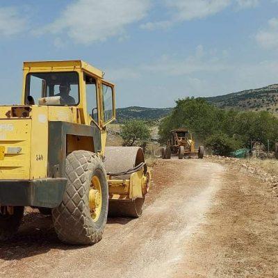Ξεκίνησαν οι εργασίες ασφαλτόστρωσης του αγροτικού δρόμου βόρεια του Νεκροταφείου Γαλατινής συνολικού μήκους περί τα 1250 μέτρα.