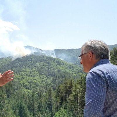 Ο Δήμαρχος Βοΐου Χ. Ζευκλής στο το μέτωπό της φωτιάς μεταξύ Πενταλόφου και Δοτσικού (Φωτογραφίες)