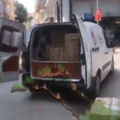 kozan.gr: Πτολεμαίδα:  Mεγάλη ανταπόκριση του κόσμου στην πρωτοβουλία των καταστημάτων των οδών Περδίκα και Εθνικής Αντιστάσεως για τη συγκέντρωση ειδών πρώτης ανάγκης για τους πληγέντες της Εύβοιας (Βίντεο)