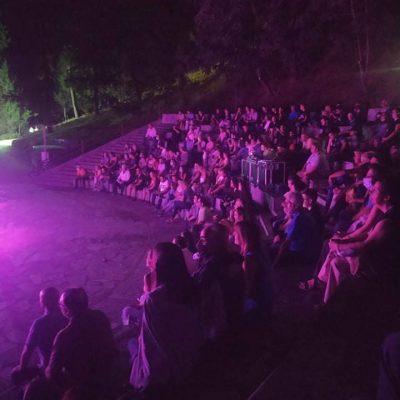 "kozan.gr: Ο Δημήτρης Μυστακίδης, ""ταξίδεψε"", το μουσικόφιλο κοινό, το βράδυ της Παρασκευής 20/8, στο θεατράκι στα Κάστρα Σερβίων"