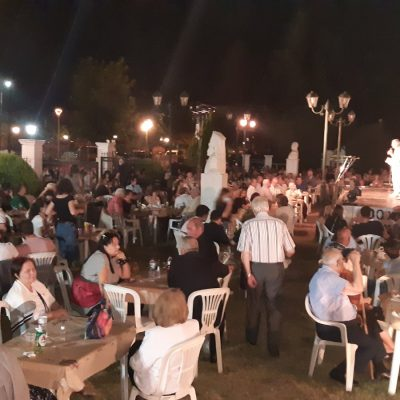 kozan.gr: Τη μουσικοθεατρική παράσταση με τίτλο «Λίγο πριν τα σύννεφα» παρουσίασε, το βράδυ της Κυριακής 22 Αυγούστου, ο Σύλλογος Μικρασιατών Πτολεμαΐδας (Φωτογραφίες & Βίντεο)