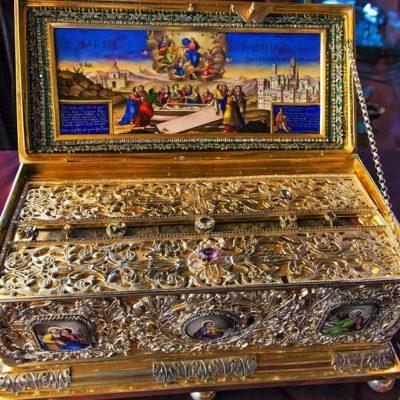 Με τη γιορτή των Καταθέσιων της τιμίας Ζώνης της Θεοτόκου, 31 Αυγούστου, επισφραγίζεται ο κύκλος του εκκλησιαστικού έτους (του παπαδάσκαλου Κωνσταντίνου Ι. Κώστα)