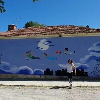 kozan.gr: Οι όμορφες τοιχογραφίες, στον οικισμό της Ποντοκώμης, με ήρωες της Disney, ολοκληρώθηκαν με τον Πήτερ Παν (Φωτογραφία)