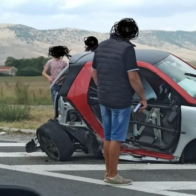kozan.gr: Τροχαίο ατύχημα, έξω από το Βατερό Κοζάνης, με σύγκρουση δύο οχημάτων (Φωτογραφίες)