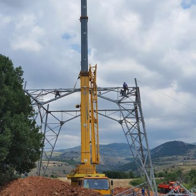 kozan.gr: Xθεσινές εικόνες από την επίσκεψη της ΓΕΝΟΠ στους εργαζομένους του Τομέα Κατασκευών Νέων Έργων του ΑΔΜΗΕ κατά τη διαδικασία κατασκευής και ενσυρμάτωσης της γραμμής 400 KV που θα συνδεθεί με την Πτολεμαΐδα V (Βίντεο & Φωτογραφίες)