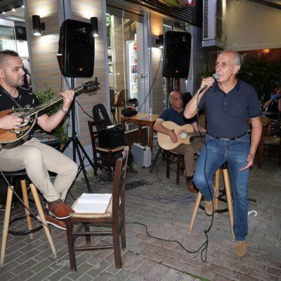 """Δήμος Γρεβενών: Οι Μουσικοί Δρόμοι «ζωντάνεψαν» την πόλη – 14 καλλιτέχνες ένωσαν τις δυνάμεις τους και τραγούδησαν για την """"Ευρωπαϊκή Εβδομάδα Κινητικότητας"""""""