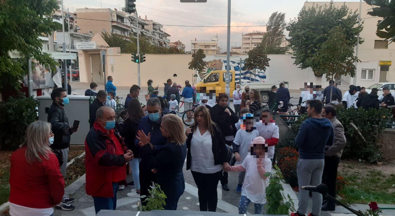 kozan.gr: Με ποδηλατοβόλτα, κλήρωση ηλεκτρικών πατινιών και πυροτεχνήματα, έκλεισε, το βράδυ της Τετάρτης 22/9, η Εβδομάδα Κινητικότητας του Δήμου Εορδαίας  (Βίντεο & Φωτογραφίες)