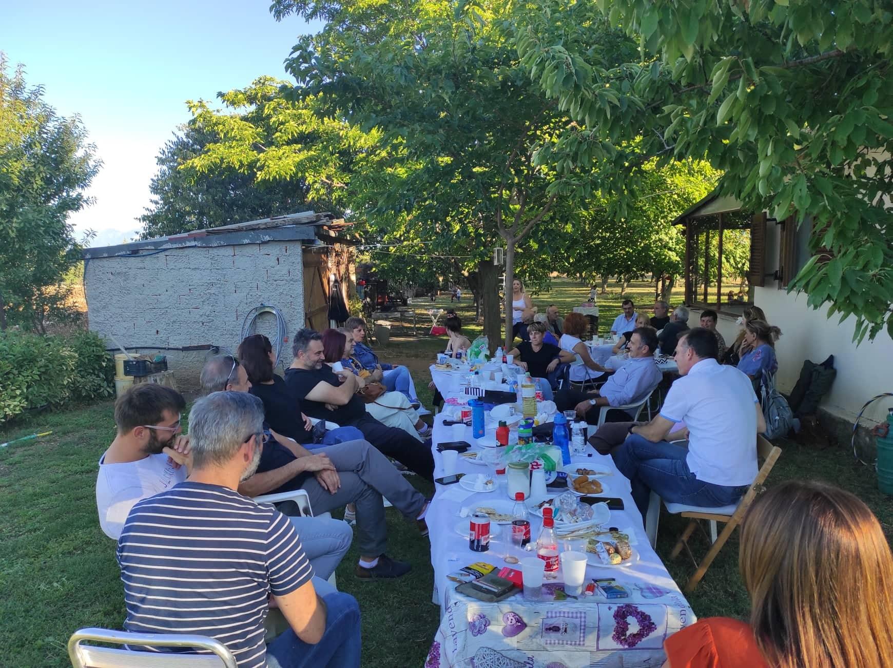 kozan.gr: Μπάρμπεκιου γεύμα, για φίλους και γνωστούς της Δημοτικής Κίνησης Κοζάνη – Τόπος να Ζεις, στο κτήμα του δημοτικού συμβούλου Κοζάνης Μ. Κουτσοσίμου, το μεσημέρι του Σαββάτου 25/9 (Φωτογραφίες)