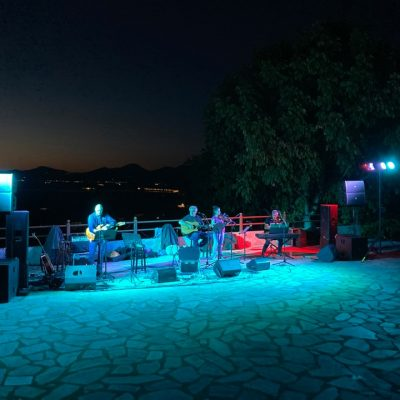 kozan.gr: Σέρβια: Ολοκληρώθηκαν, το βράδυ του Σαββάτου 25/9,  με τη συναυλία  των ΣυνΩΔΗπόρων, οι εκδηλώσεις του καλοκαιριού, που διοργάνωσε ο Δήμος Σερβίων  (Βίντεο)