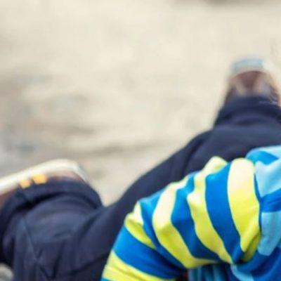 Ελασσόνα: Στη μητέρα του επιστρέφει το βρέφος που βρέθηκε καταμεσής του δρόμου – Θα τους παρακολουθεί κοινωνικός λειτουργός