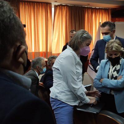 """Μόσχος – Μάστορας (εκπροσωπώντας την ΓΕΝΟΠ) στην Πορτογαλίδα, Ευρωπαϊκή Επίτροπο, Ελίζα Φερέιρα: """"Ο κόσμος φεύγει χάθηκαν 3500 θέσεις εργασίας και οι πολίτες δεν βλέπουν μέλλον"""" – """" Η δημιουργία του Ταμείου Δίκαιης Μετάβασης είναι να """"απαντήσει """"στους προβληματισμούς που εκφράστηκαν"""", απάντησε η Επίτροπος"""