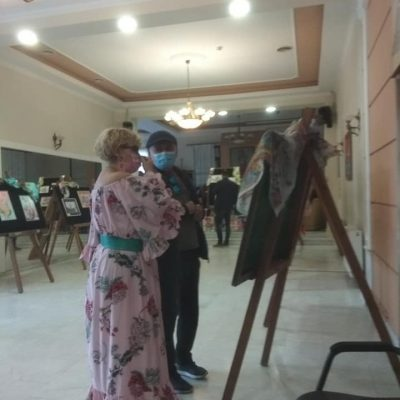 kozan.gr: Πτολεμαίδα: Εγκαινιάστηκε, το απόγευμα του Σαββάτου 2/10, η έκθεση ζωγραφικής κι εικαστικών μαντηλιών & μεταξοτυπίας της Βασιλικής Στεργίου (Φωτογραφίες)