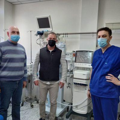 Με δυο νέους αναπνευστήρες βαρέως τύπου εξοπλίστηκε η Μονάδα Εντατικής Θεραπείας του Γενικού Νοσοκομείου Κοζάνης Μαμάτσειου – 60.000 ευρώ από την Περιφέρεια Δυτικής Μακεδονίας για την προμήθεια των αναπνευστήρων