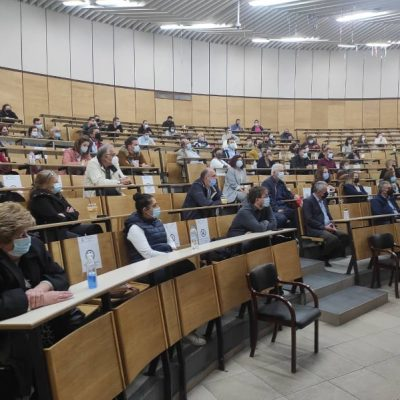 "kozan.gr: Μεγάλο ενδιαφέρον για την εκδήλωση του ΕΒΕ Κοζάνης με θέμα ""Ηλεκτρονικά βιβλία (mydata) οι αλλαγές για τις επιχειρήσεις & τον ελεύθερο επαγγελματία"", που πραγματοποιήθηκε το απόγευμα της Τετάρτης 6/10 (Φωτογραφίες)"