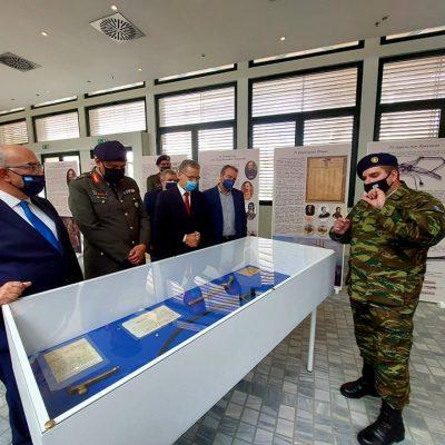Δήμος Κοζάνης: Άνοιξε τις πύλες της η έκθεση κειμηλίων του Πολεμικού Μουσείου στο χώρο της Κοβενταρείου Δημοτικής Βιβλιοθήκης