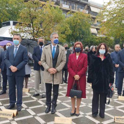 kozan.gr: H επιμνημόσυνη δέηση και κατάθεση στεφάνων στο Μνημείο Πεσόντων  στην κεντρική πλατεία Πτολεμαΐδας στο πλαίσιο του εορτασμού της απελευθέρωσης της Πτολεμαΐδας από τον τουρκικό ζυγό  (Βίντεο & Φωτογραφίες)