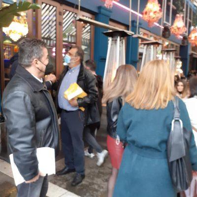 Κλιμάκιο της Ν.Ε. ΣΥΡΙΖΑ – Π.Σ. Κοζάνης μαζί με τη βουλευτή Κοζάνης Κ. Βέττα διένειμαν, στην κεντρική πλατεία και τις καφετέριες της Πτολεμαίδας, φυλλάδια ενάντια στο ξεπούλημα της ΔΕΗ (Φωτογραφίες)